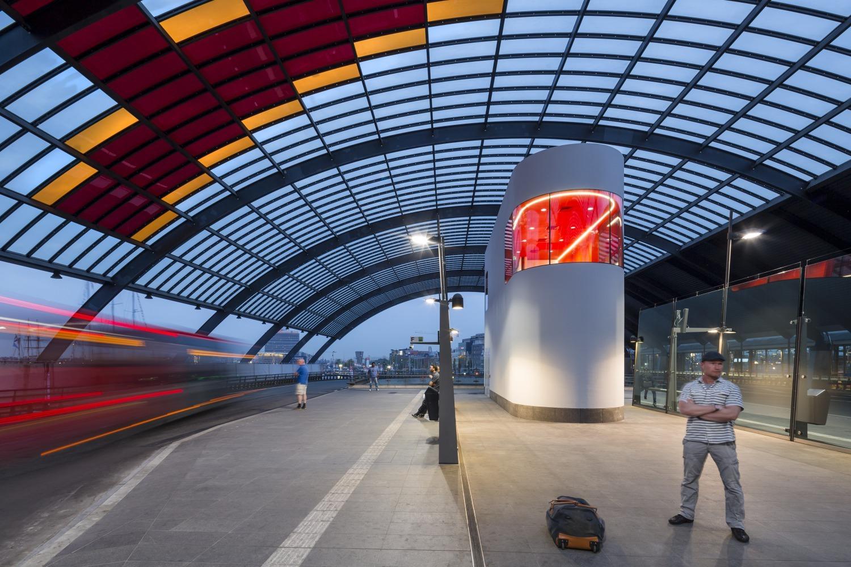 426 003 Chauffeursruimte busstation amsterdam Centraal N25 medium