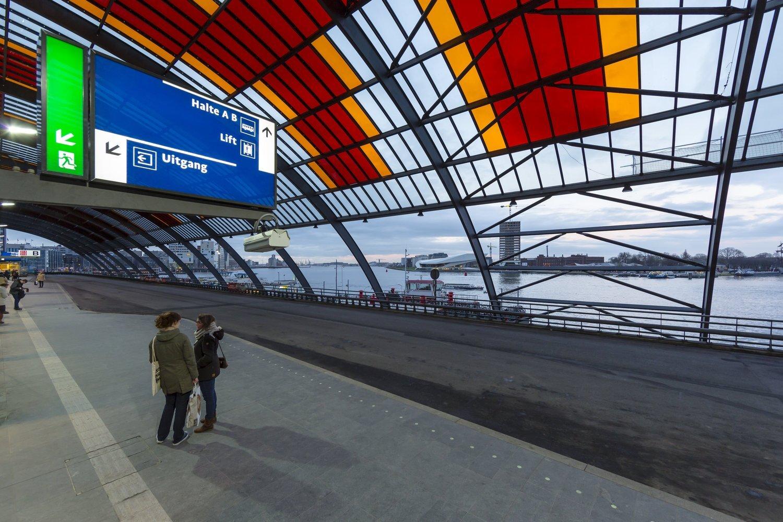 427 Kap busstation Amsterdam CS 427 Benthem Crouwel c Jannes Linders N17 medium