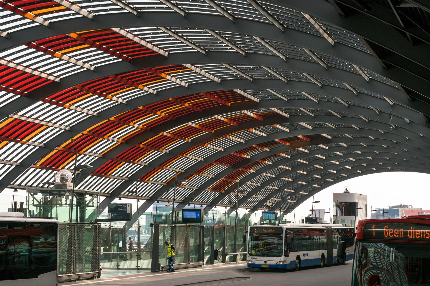 427 Kap busstation Amsterdam CS 427 N10 medium