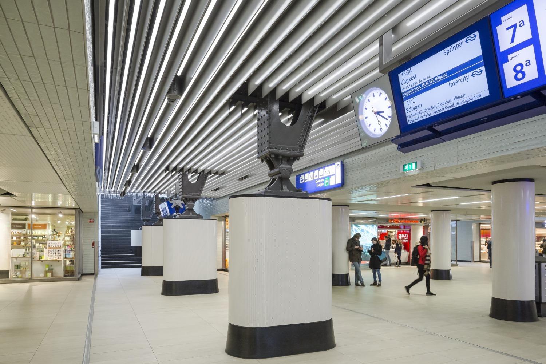 614 Cuypershal en Middentunnel Amsterdam Centraal N10 medium