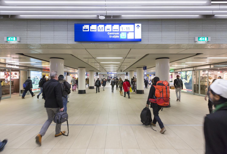 614 Cuypershal en Middentunnel Amsterdam Centraal N14 medium